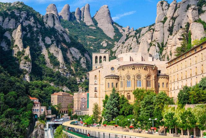 Экскурсия в горный монастырь Монтсеррат